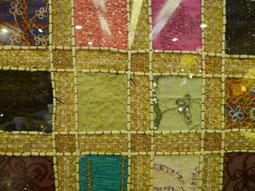 ビーズ刺繍のタペストリー.jpg